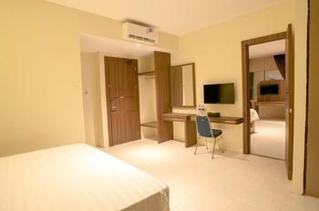 AK Hotel Nagoya Hill Batam - Superior King Room Regular Plan