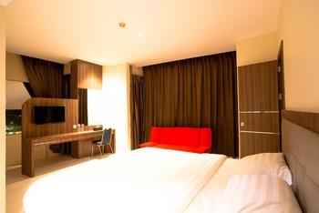 AK Hotel Nagoya Hill Batam - family room Regular Plan