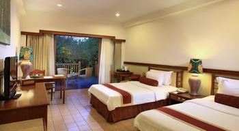 Novus Giri Resort & Spa Puncak - Deluxe Pool View With Breakfast Regular Plan