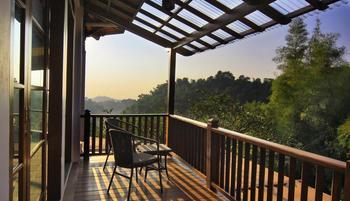 Novus Giri Resort & Spa Puncak - Valley View Suite With Breakfast Regular Plan
