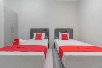RedDoorz Plus @ Bukit Cinta Street Balikpapan - RedDoorz Twin Room Last Minute