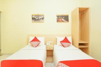OYO 272 M Suite Homestay Malang - Deluxe Twin Room Regular Plan