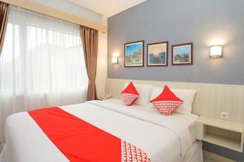 OYO 272 M Suite Homestay Malang - Deluxe Double last