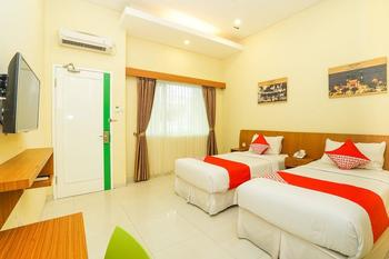 OYO 272 M Suite Homestay Malang - Standard Twin Last Minute