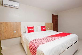 OYO 1677 Gapura Hotel Danau Toba - Deluxe Double Room Last Minute Deal