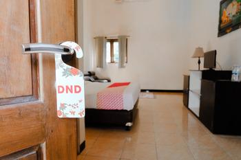 OYO 563 Damar Mas Resort Lereng Kelud Kediri - Deluxe Double Room Regular Plan