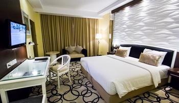 Hotel New Saphir Yogyakarta - Deluxe Room Include Lunch or Dinner Regular Plan