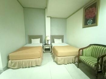 OYO 3031 Hotel Regenerasi Banjarmasin - Standard Twin Room Regular Plan
