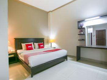 OYO 3031 Hotel Regenerasi Banjarmasin - Deluxe Double Room Regular Plan