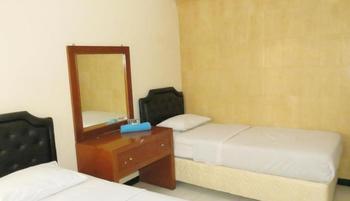Wisma Tamu UKSW Salatiga - Superior Twin Bed Room Regular Plan
