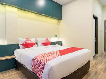 OYO 727 Merlion Hotel Medan - Standard Double Room Regular Plan