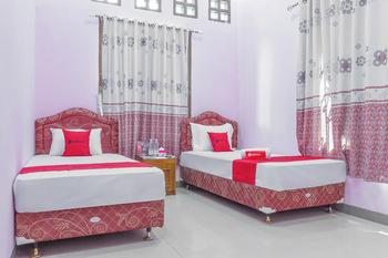 RedDoorz Syariah @ Puri Kalijaga Street Cirebon - RedDoorz Twin Room KETUPAT