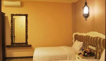 Apple Green Hotel Malang - Deluxe Room Twin Bed Regular Plan