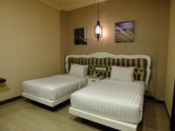 Apple Green Hotel Batu Malang - Deluxe Room Twin Bed Regular Plan