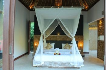 Tirta Loka Suite Bali - Deluxe Suite Room Only Save More!