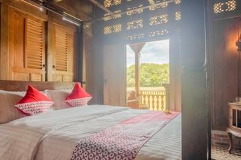 OYO 593 Kalaras Hotel & Cottage Pangandaran -  Suite Double Room Regular Plan