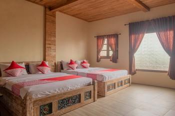 OYO 593 Kalaras Hotel & Cottage Pangandaran - Suite Family Regular Plan