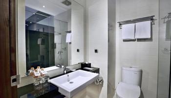 NEO Dipatiukur Bandung - Deluxe Room Regular Plan