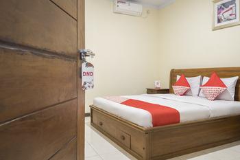 OYO 824 Makassar Guest House Makassar - Deluxe Double Room Regular Plan