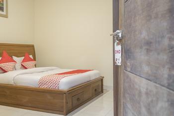 OYO 824 Makassar Guest House Makassar - Standard Double Room Regular Plan
