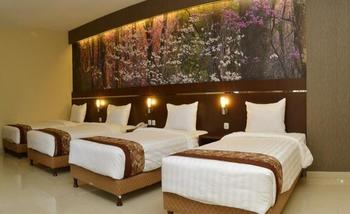 Bess Resort & Waterpark Malang - Deluxe Triple Room BeSS Shinning