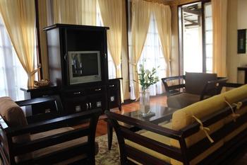 Campago Resort Hotel Bukittinggi - Bungalow Room  Regular Plan