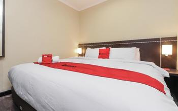 RedDoorz Plus @ Thamrin Jakarta - RedDoorz Room with Breakfast Regular Plan