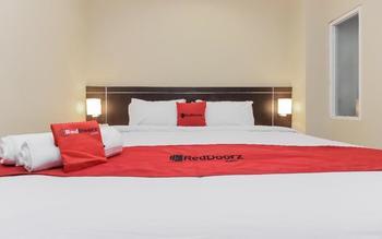 RedDoorz Plus @ Thamrin Jakarta - RedDoorz Room 24 hours deal
