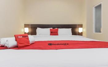RedDoorz Plus @ Thamrin Jakarta - RedDoorz Room Regular Plan