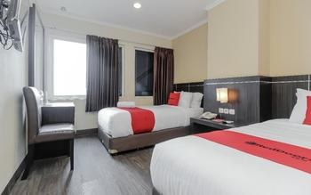 RedDoorz Plus @ Thamrin Jakarta - RedDoorz Twin Room Regular Plan