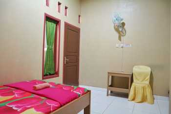 Penginapan Arsyana Pacitan - Standard Room Only Mulya Regular Plan