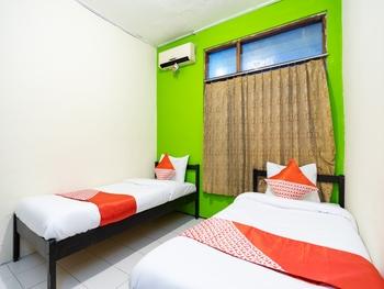 OYO 2454 Wanawiyata Homestay Yogyakarta - Standard Twin Room Regular Plan