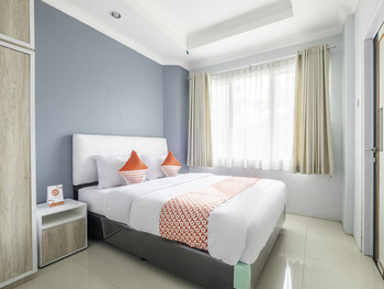 OYO 2195 Al Jazeerah Near RS Bungsu Bandung - Standard Double Room Regular Plan
