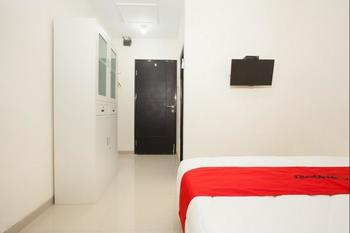 RedDoorz Plus near UPN Rungkut Surabaya - RedDoorz SALE 125K Regular Plan