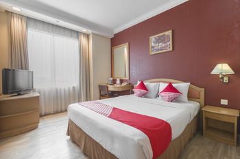 OYO 784 Hotel Bulevar Jakarta -  Standard Double Room Regular Plan