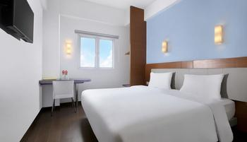 Amaris Hotel Serpong Tangerang - Smart Room Hollywood Regular Plan