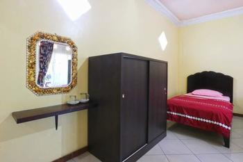 Aquarius Orange Resort Bogor - Superior Room    Minimum 2 malam