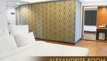 Crown Prince Hotel Surabaya - Alexandrite Room Minimum Stay 30% Off