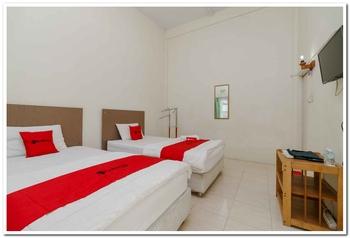 RedDoorz Plus Syariah @ Jalan Cut Nyak Dhien Aceh Aceh Besar - RedDoorz Twin Room Last Minute