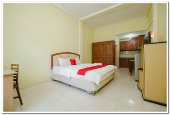 RedDoorz Plus Syariah @ Jalan Cut Nyak Dhien Aceh Aceh Besar - RedDoorz Suite Last Minute