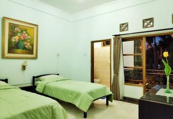 Sinergi Hotel Tretes Pasuruan - Deluxe  Regular Plan