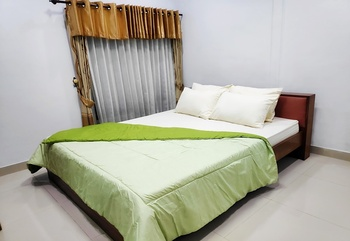 Hotel Sinergi Tretes Pasuruan - Deluxe Room Only Last Minutes Deal