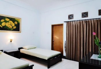 Hotel Sinergi Tretes Pasuruan - Standard Room Only Last Minutes Deal