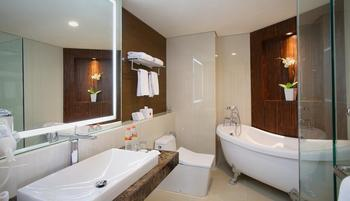 GranDhika Hotel Pemuda Semarang - Junior Suite (Include B'fast & Minibar) Regular Plan