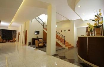 Nirvana Inn Wahid Hasyim Yogyakarta - Standard Twin Room Only Regular Plan