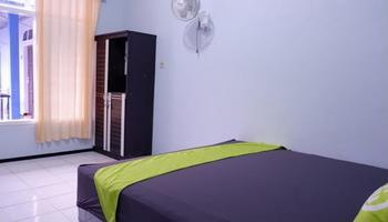 Serayu Homestay Syariah Malang - Family Room Regular Plan
