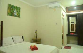 Budget Door Legian Bali - Superior Room with Breakfast Regular Plan