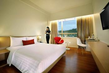 Grand Zuri Padang - Deluxe Double Bed Long Stay Deals