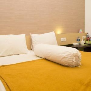 Save Hotel  Banjarmasin - Deluxe Room Regular Plan