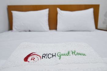 Rich Guesthouse Jambi - Standard Queen Room Refundable LM 30%